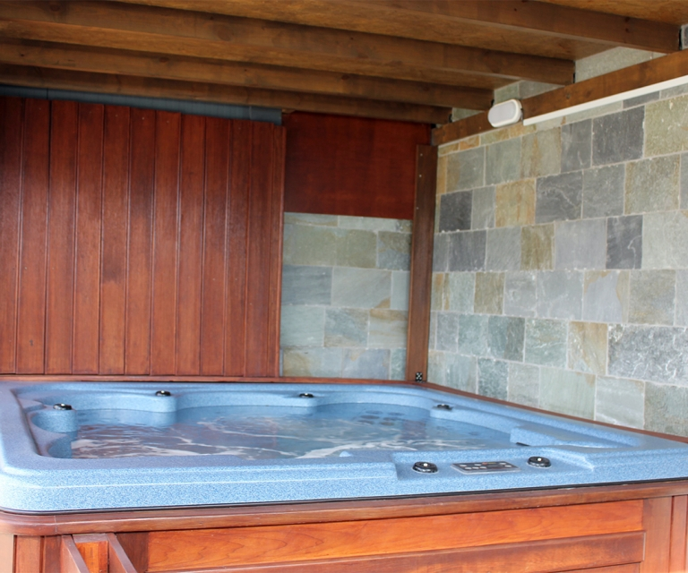 hot_tubs_&_saunas_01