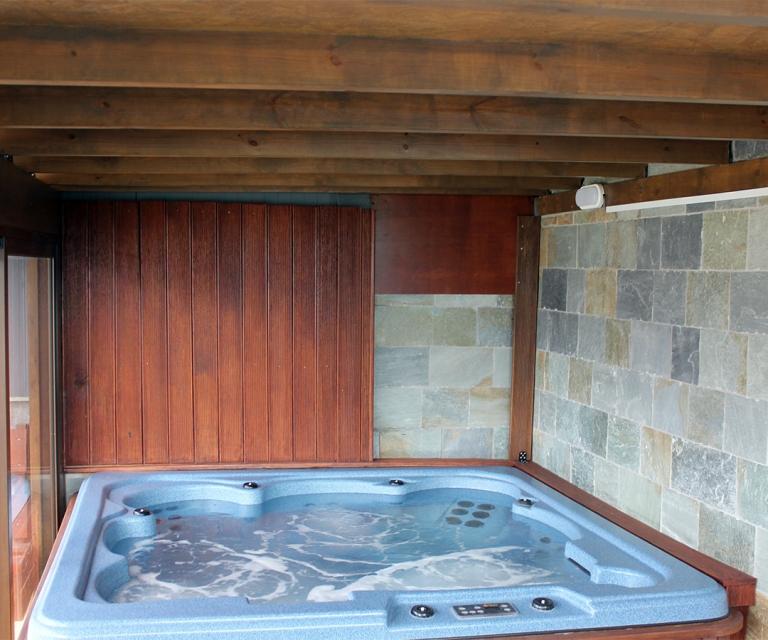 hot_tubs_&_saunas_03